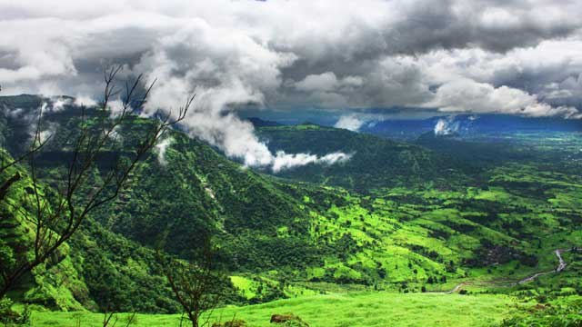 The Ultimate Trekking Destinations in Maharashtra During the Rains