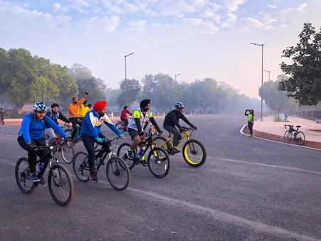 Cycling_Biking_in_Delhi_TravellersofIndia