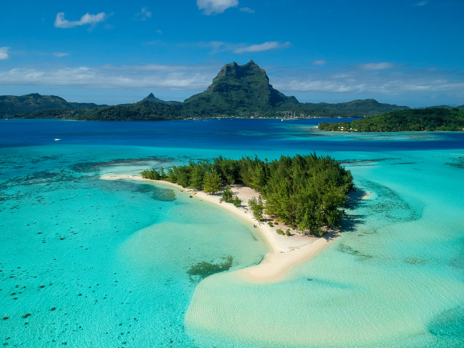 Bora_Bora_in_Tahiti_TravellersofIndia