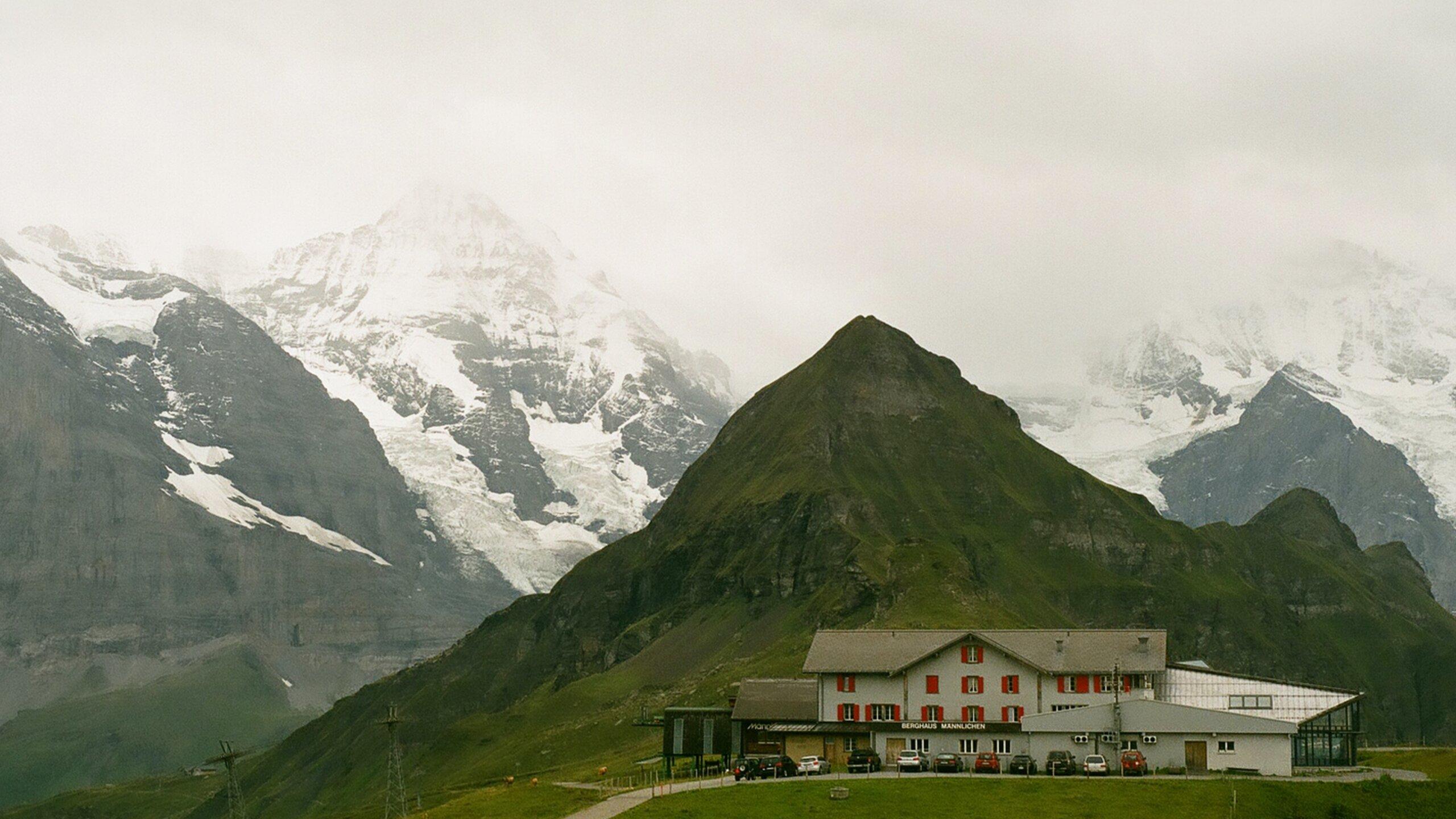 Top_9_Luxury_Resorts_for_a_Romantic_Honeymoon_in_Switzerland_TravellersofIndia